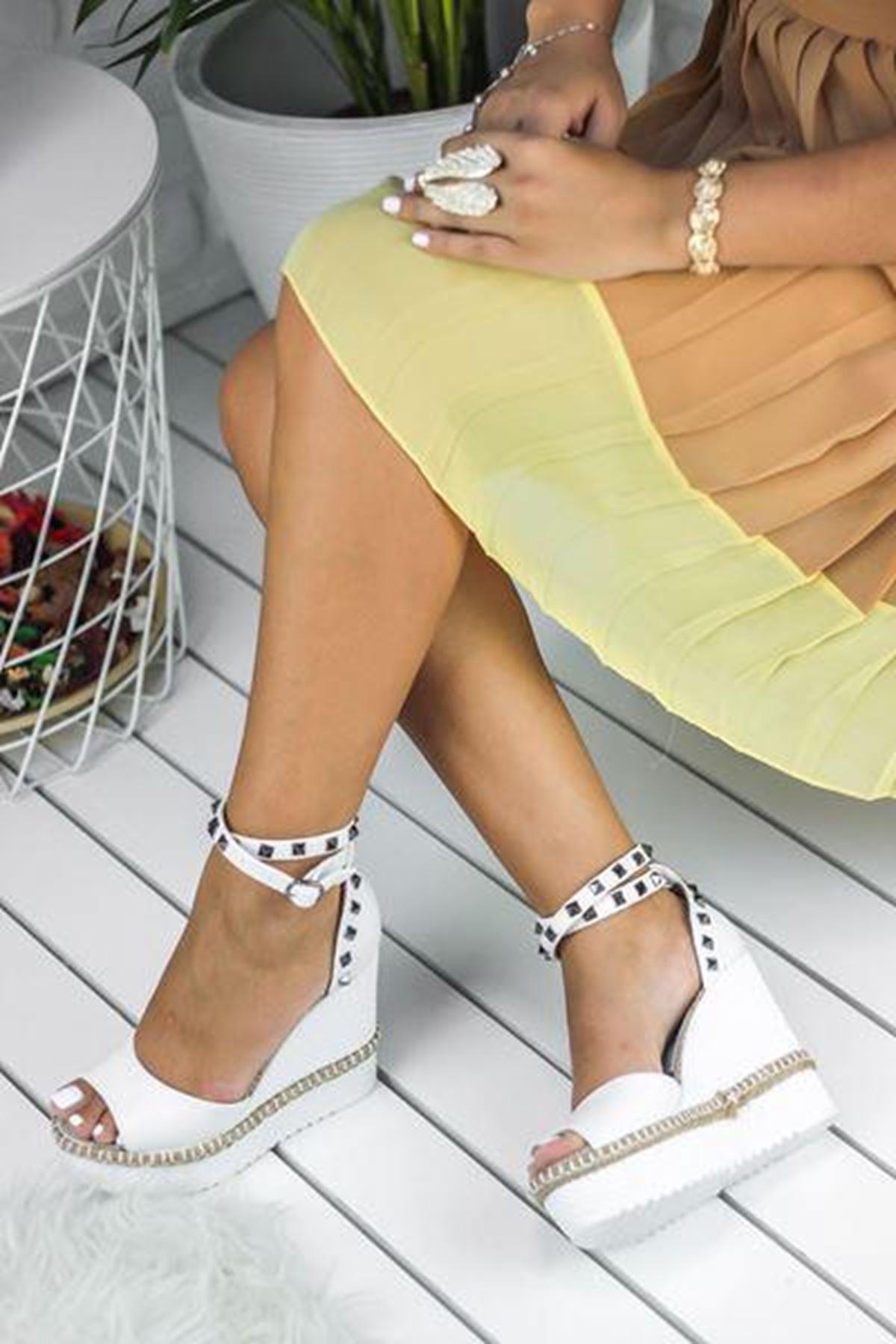 Awon Lanira Yüksek Dolgu Topuk Kadın Sandalet